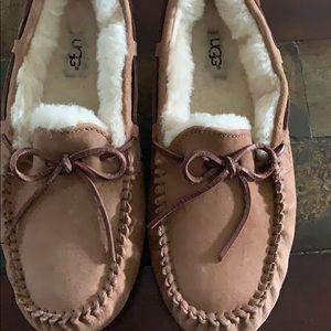 Ugg Dakota Mocassin slippers